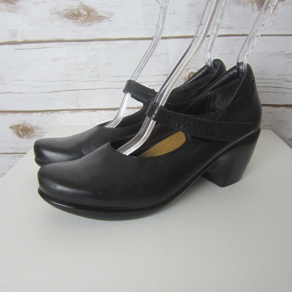 Naot Muse 8 M Black Leather Mary Jane
